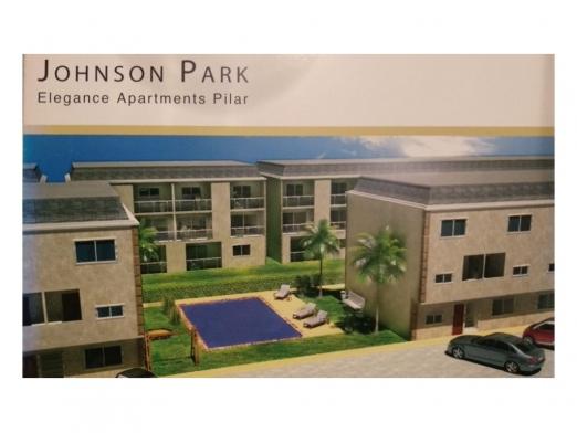 Johnson Park 100, Piso 1